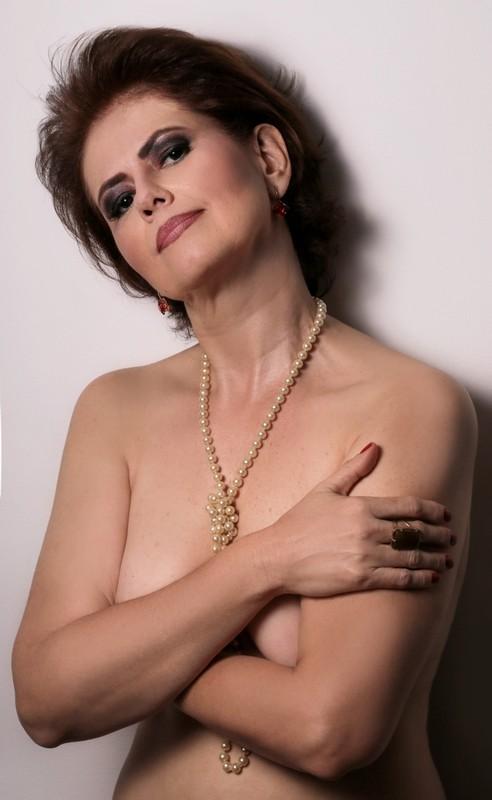 Narjara Turetta: sempre discreta a atriz, que vive uma prostituta no horário nobre, surpreende em ensaio sexy (Foto: Vinicius Bertoli)