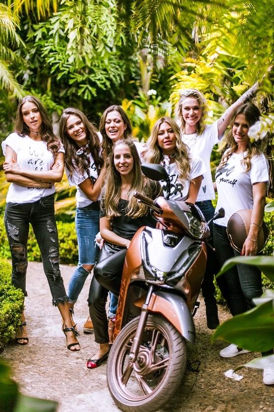 Mulheres que amam motos - e a Thelure! (Foto: Divulgação)