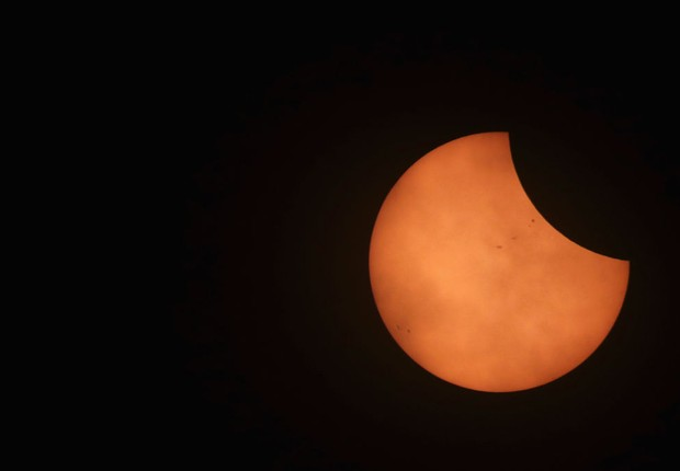 O eclipse solar total é visto em Illinois, nos Estados Unidos (Foto: Scott Olson/Getty Images)