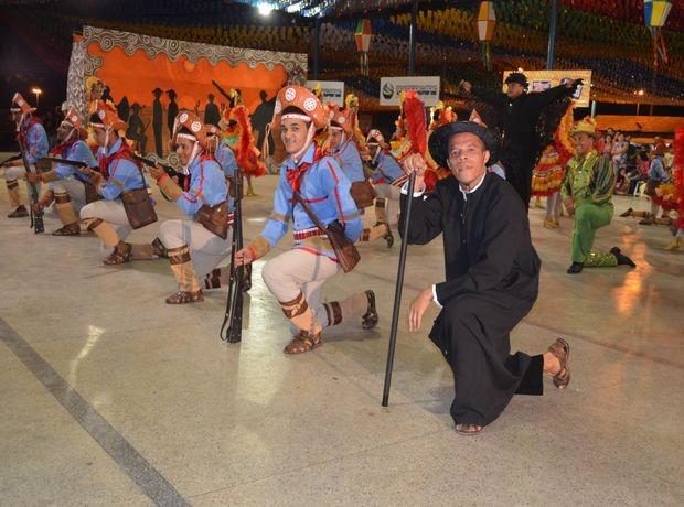 Quadrilha Cangaceiros da Boa também se classificou para a final do concurso (Foto: Fredson Navarro/G1 SE)