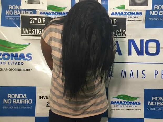 Mulher vendia terrenos irregulares e foi presa dentro de uma agência bancária na cidade (Foto: Diego Toledano/G1 AM)