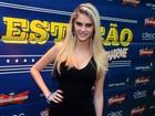 Bárbara Evans, Débora Nascimento e José Loreto vão a baile charme