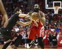 Com tributo a Yao Ming, Rockets vencem os Bulls em noite de Harden