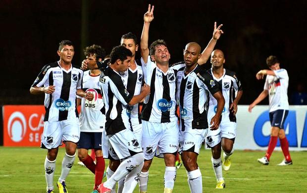 ABC vence o Bahia e continua na briga (Erik Salles / Futura Press)