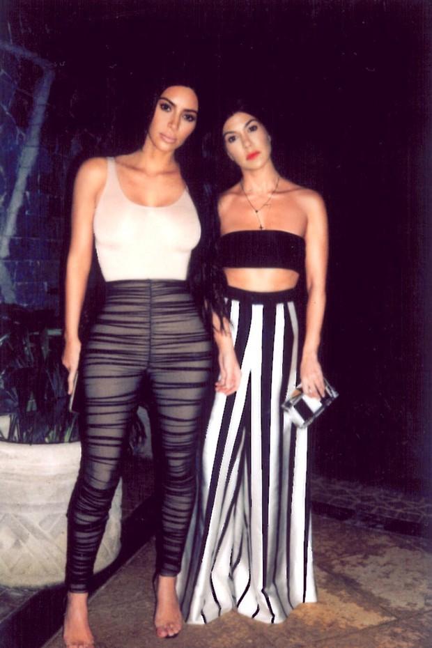 Kim Kardashian e Kourtney Kardashian (Foto: Reprodução)