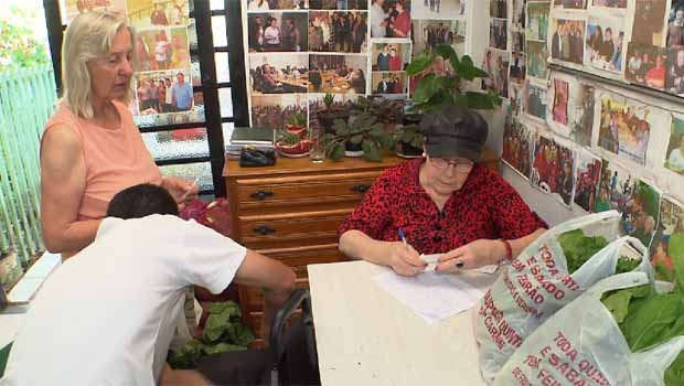 Irma fundou o Clube de Mães Itamarati, em 2007.  (Foto: Reprodução/RPC)