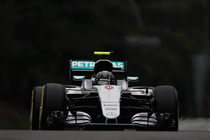 Nico Rosberg em ação no treino classificatório para o GP do Japão (Foto: Getty Images)