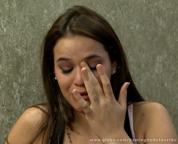 O assunto realmente emociona Bruna (Foto: Domingão do Faustão / TV Globo)