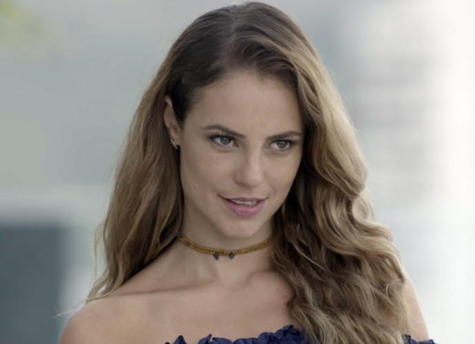 Melissa fica toda feliz quando vê Felipe  (Foto: TV Globo)