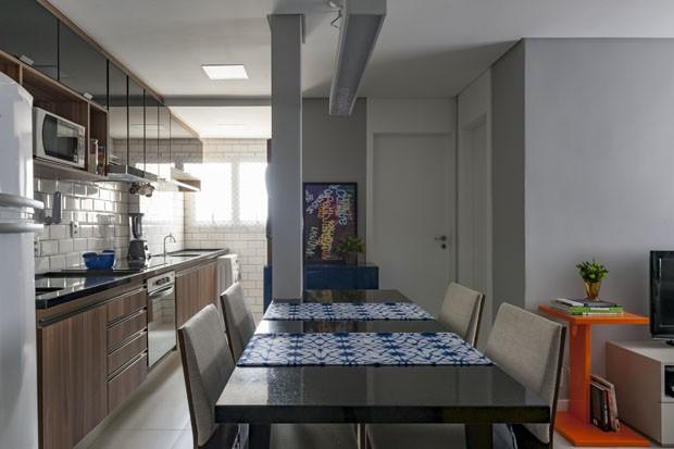 Ap dos sonhos em 45 m²: dá para trabalhar, descansar e dar festa (Foto: Raul Fonseca/ divulgação)