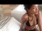 Rihanna volta a publicar fotos de biquíni