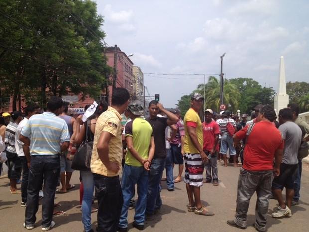 Manifestantes fecharam a Getúlio Vargas, no Centro (Foto: Veriana Ribeiro/G1)