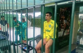 Palmeiras treina sem três titulares; Cuca mantém dúvidas para clássico