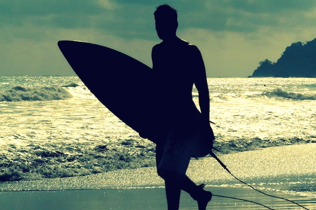 Saiba tudo que  necessrio na hora de escolher sua prancha de surfe ideal (Foto: Shutterstock)