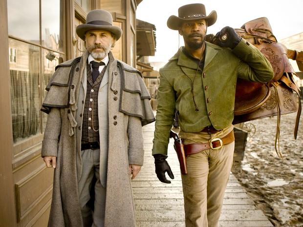 O caçador de recompensas King Schultz (Christoph Waltz) e o ex-escravo Django Freeman (Jamie Foxx), protagonistas do novo longa-metragem do diretor Quentin Tarantino (Foto: Divulgação)
