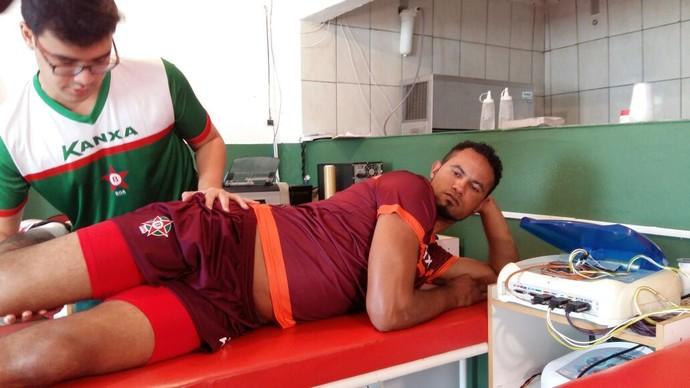 Após apresentação, Bruno já treina no Boa Esporte (Foto: Bruno Giufrida)