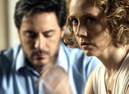 Vitória fica cara a cara com Leonardo e lembra que ele abusou dela