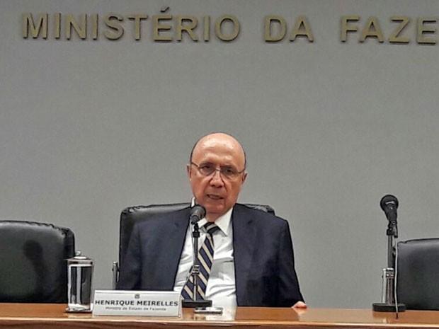 O ministro Henrique Meirelles durante entrevista no Ministério da Fazenda sobre a renegociação da dívida dos estados (Foto: Alexandro Martello/G1)