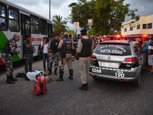 Crime aconteceu por trás da rodoviária de João Pessoa (Foto: Walter Paparazzo/G1)