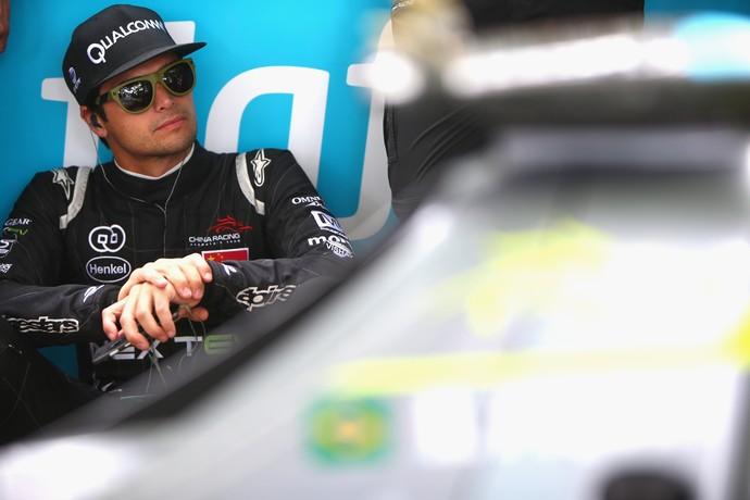 Nelsinho Piquet em Londres, neste domingo: vantagem na liderança do ranking caiu (Foto: Getty Images)