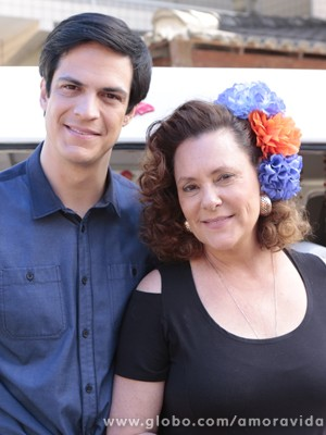 Mateus Solano e Elizabeth Savalla (Foto: Amor à Vida/TV Globo)