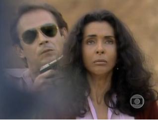 Betty Faria e José Wilker contracenaram juntos em Bandidos da Falange, em 1983 (Foto: Vídeo Show/TV Globo)