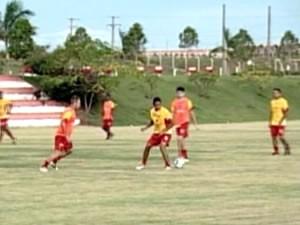 União treina para partida contra o Rondonópolis (Foto: Reprodução/TVCA)