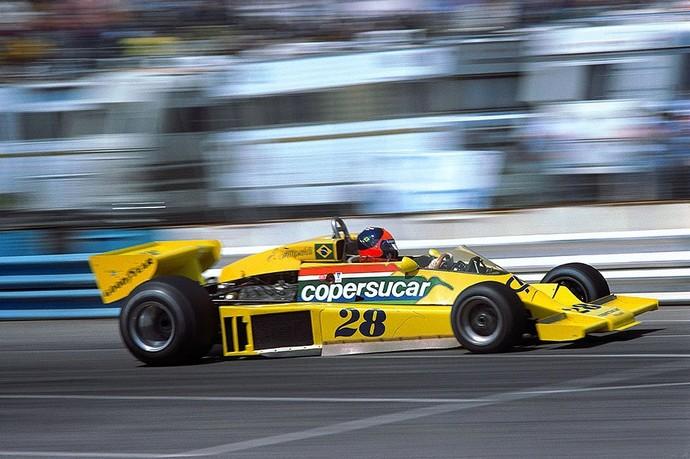 Emerson Fittipaldi guia o carro de Fórmula 1 da Copersucar em 1977 (Foto: Reprodução)