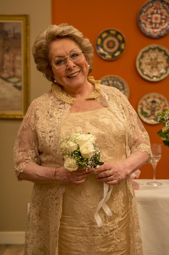 Geppina vai casar! De novo! Com o mesmo homem! Tanta alegria merece um look lindo desses mesmo (Foto: Ellen Soares/Gshow)