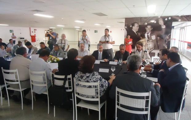 Congresso técnico do Candangão (Foto: Fabrício Marques)