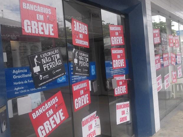 Greve dos bancos já dura 14 dias (Foto: Larissa Vasconcelos/G1)