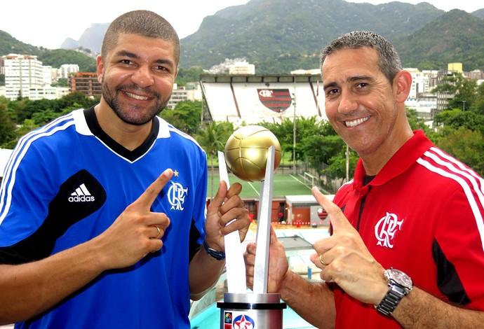 Olivinha e Neto taça basquete Liga das Américas Flamengo (Foto: Fábio Leme)