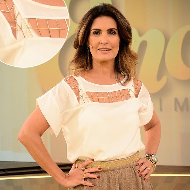 Outra peça usada por Fátima Bernardes com um acessório já preso. A blusa é linda! (Foto: Divulgação/TV Globo)