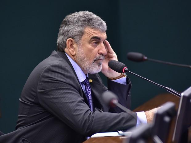 O deputado Laerte Bessa (PR-DF) questionou o sorteio de dois parlamentares petistas para a relatoria do processo de cassação de Bolsonaro (Foto: Zeca Ribeiro / Câmara dos Deputados)
