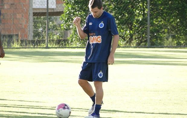 Montillo, meia do Cruzeiro (Foto: Leonardo Simonini / Globoesporte.com)