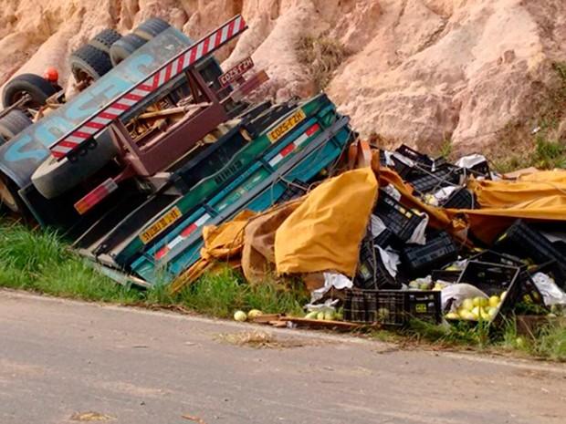Acidente na BR-101, em Caravelas, mata um na Bahia (Foto: Viviane Moreira/Site O Povo News)
