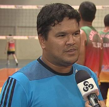 Técnico Carlos Leopoldo (Foto: Reprodução/Rede Amazônica Acre)