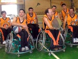 equipe bravos sobre rodas 2 (Foto: Cláudio César Mendes / Arquivo Pessoal)