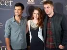 Kristen Stewart, Pattinson e Taylor Lautner posam juntos na Espanha