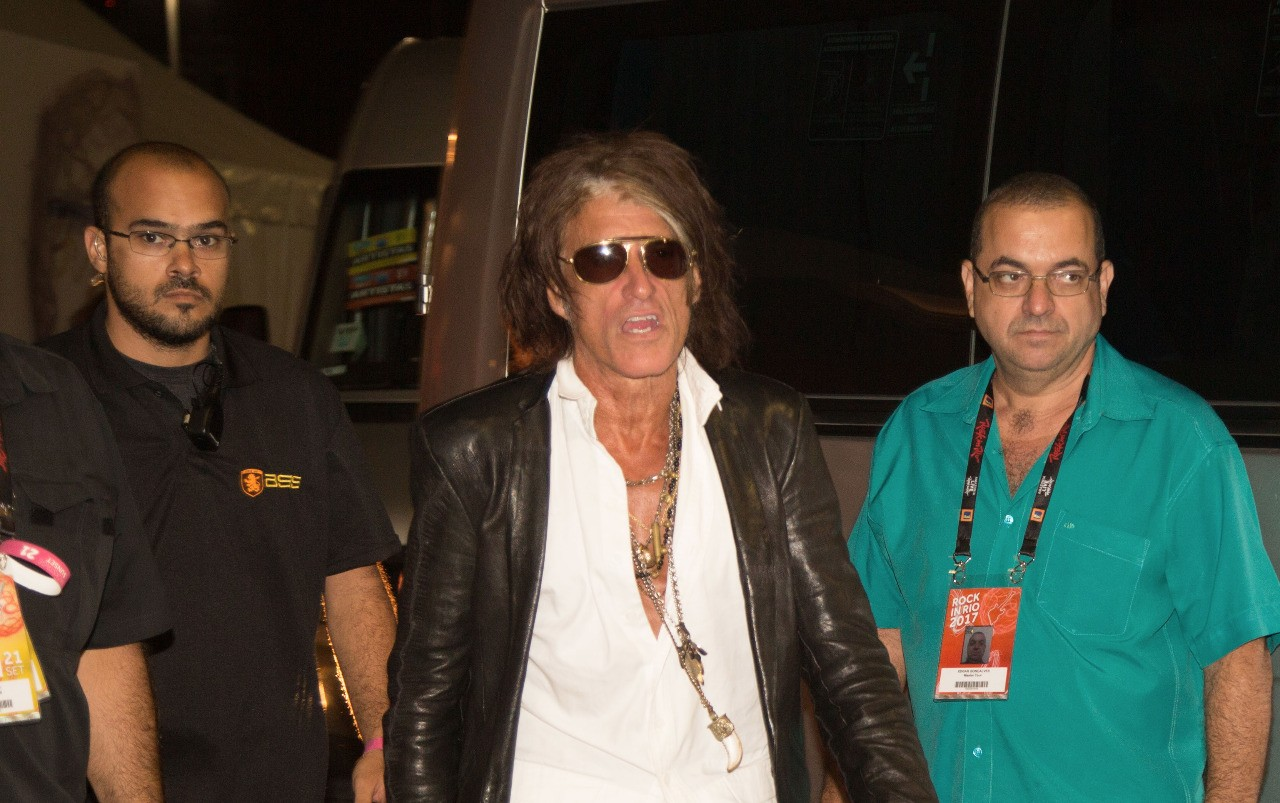 Joe Perry chega ao Palco Sunset para participar do show de Alice Cooper (Foto: Multishow)