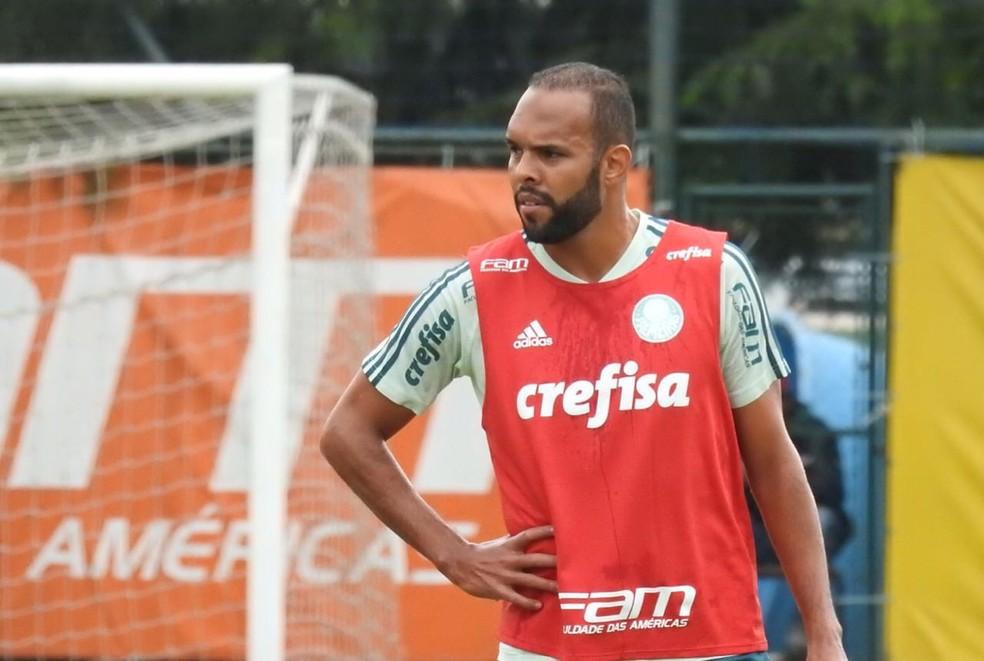 Alecsandro em treinamento no Palmeiras nesta quarta-feira (Foto: Tossiro Neto)