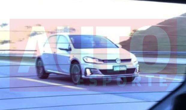 Volkswagen Golf reestilizado já está em testes no Brasil (Foto: Kaio Ribas / Autoesporte)