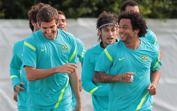 Treino da Sele&#231;&#227;o Brasileira, Marcelo, Neymar, Rafael (Foto: Rafael Ribeiro / CBF.com)