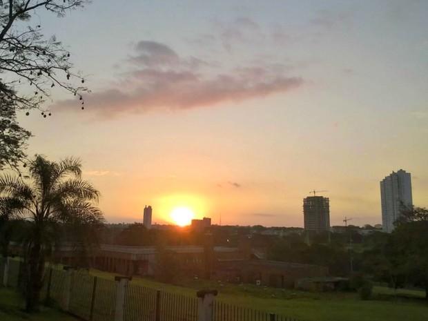 Céu na tarde desta terça-feira (21) em Campo Grande (Foto: Josane Cruz/Arquivo pessoal)
