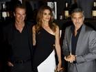 Cindy Crawford lança livro com presença de George Clooney em festa