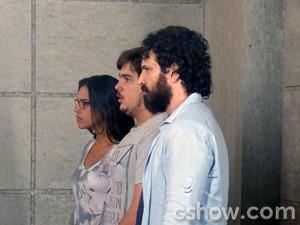 Celina bate boca com a loira (Foto: Além do Horizonte/TV Globo)