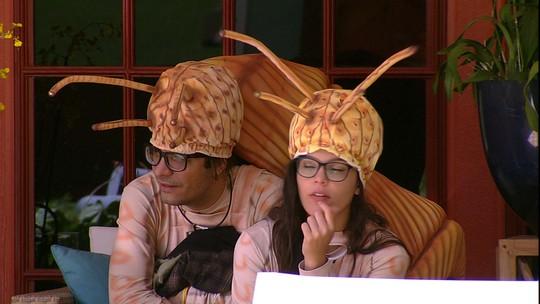 Ilmar conta para Emilly que Marinalva está chateada com Daniel