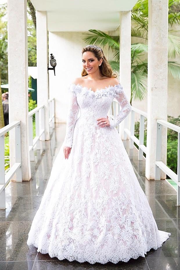 Lelê Saddi usou vestido de Sandro Barros em seu casamento (Foto: Divulgação)