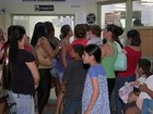 Pacientes invadem unidade de saúde e interrompem atendimento em Bauru