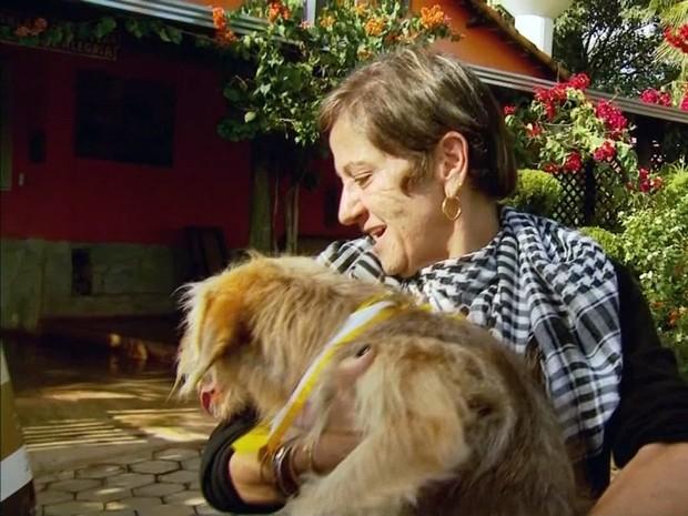 Teka adotou o cão, mas agora pode ter que devolver para a família de Pedro. (Foto: Reprodução EPTV)
